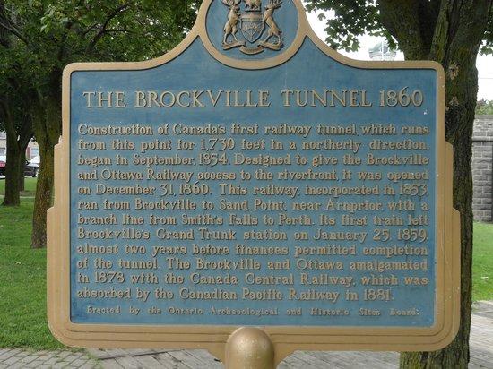 Brockville Railroad Tunnel: Historical Plaque.