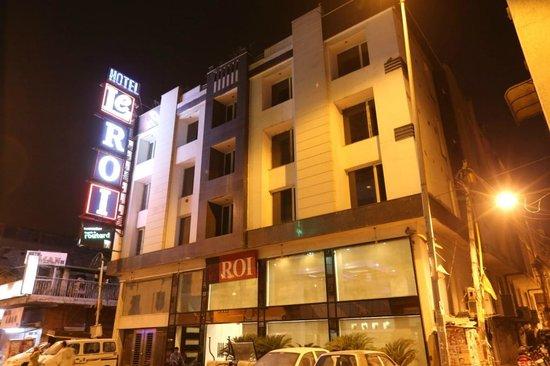 Hotel Le Roi: Hotel Exterior
