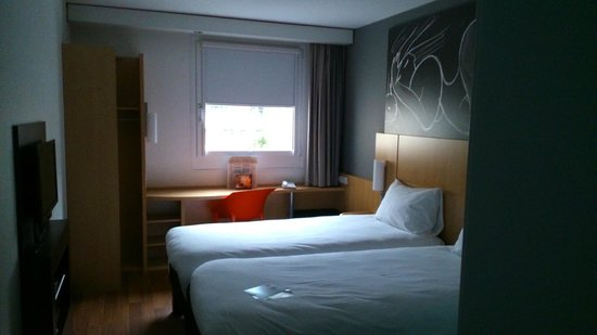 Ibis Berlin Kurfurstendamm : Room 217 upon entering