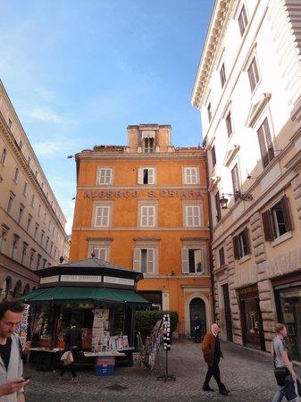 Hotel Albergo Santa Chiara: Hôtel vue de coté