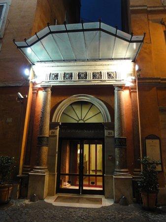 Hotel Albergo Santa Chiara: Entrée hôtel
