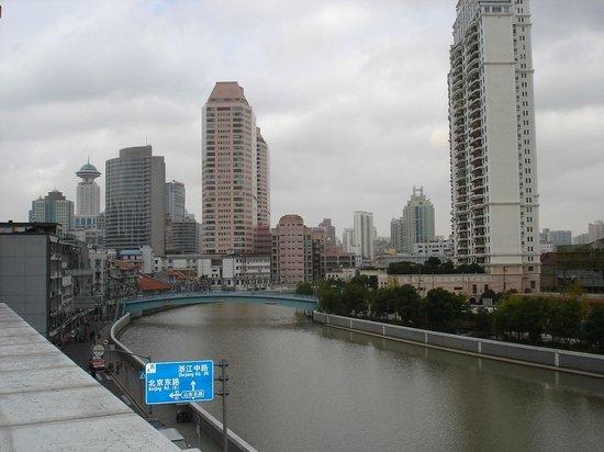 Lakeside Holiday Inn : vue sur le fleuve