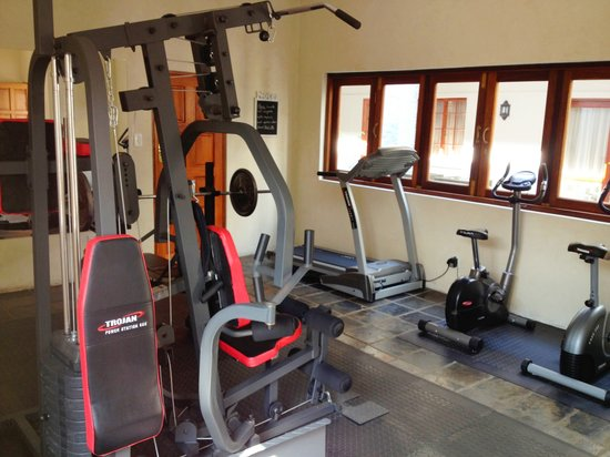 Dunvegan Execu Lodge: Small gym