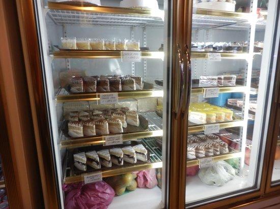 Island One Cafe & Bakery: choice of cakes