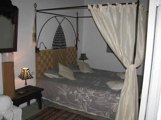 Riad Safir: Room