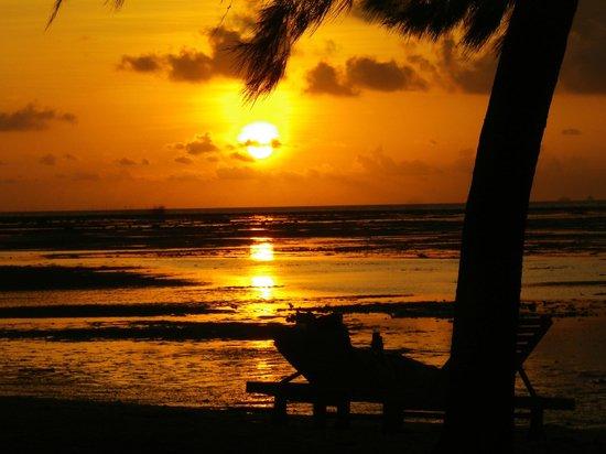 Marjoly Beach Resort : lever de soleil