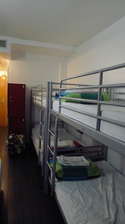 Revolutum Hostel: vista 3 de a habitación