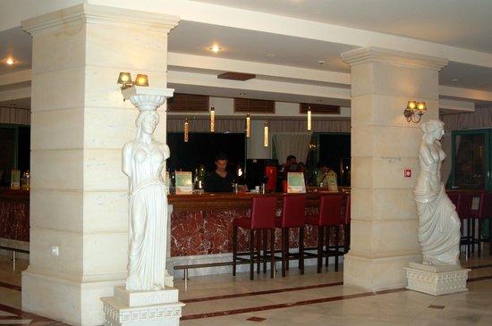 Club Marmara Rethymno Palace : Bar intérieur