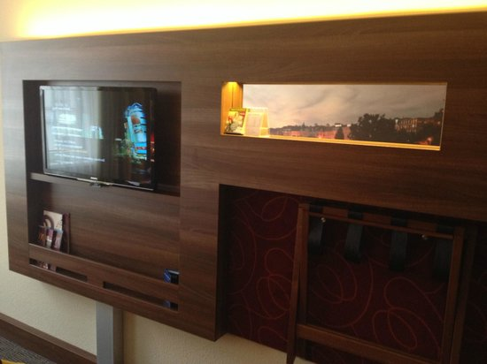 Mercure Wien City: Room 305 - TV