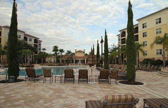 WorldQuest Orlando Resort : бассейн