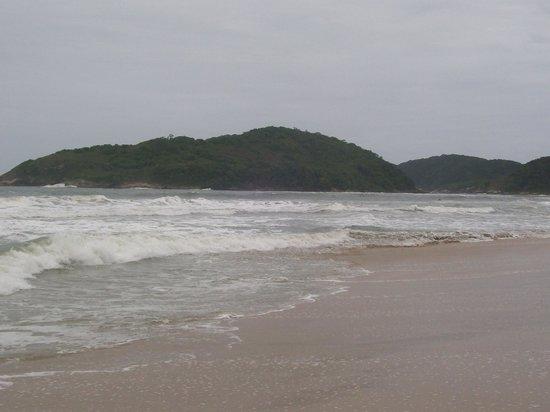 Viladomar Guaruja Flat e Pousada: praia