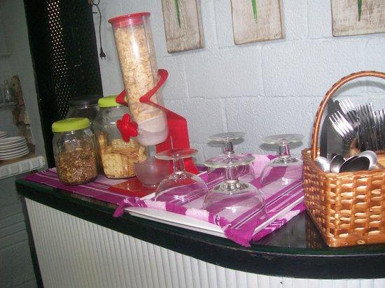 Viladomar Guaruja Flat e Pousada: cafe da manha
