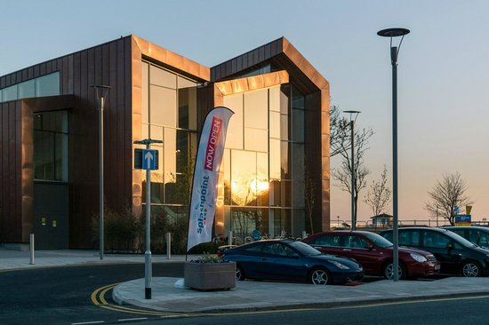Worthing, UK: Splashpoint Leisure Centre