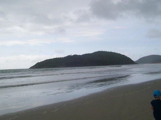 Viladomar Guaruja Flat e Pousada: praia de pernambuco