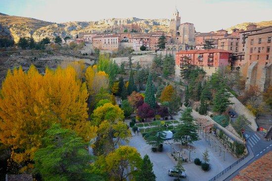 Hotel Albarracin: Abrir el balcón y ver esto, es una maravilla.
