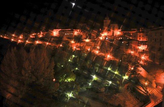 Hotel Albarracin: Antes de dormir, un vistazo al exterior.