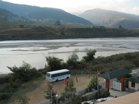 Hotel Pema Karpo: River view from the room