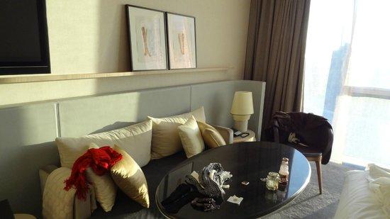 The Ritz-Carlton, Wolfsburg: Hochwertig eingerichtetes Zimmer