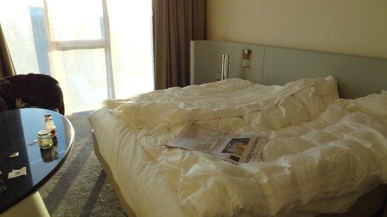 The Ritz-Carlton, Wolfsburg: Sehr bequemes Bett mit tollem Schlafcomfort