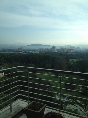 Junes Apartments : Balcony (Genting view)