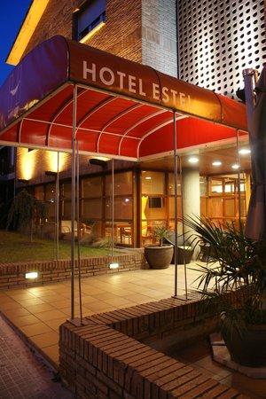 Hotel Estel: Entrada Hotel