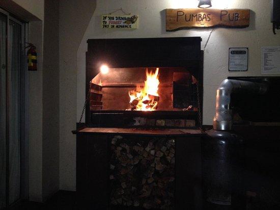 Amakaya Backpackers & Apartments: Lekker warm met de braai aan!