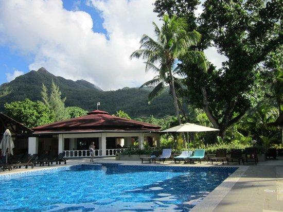 Berjaya Beau Vallon Bay Resort & Casino - Seychelles: coin piscine