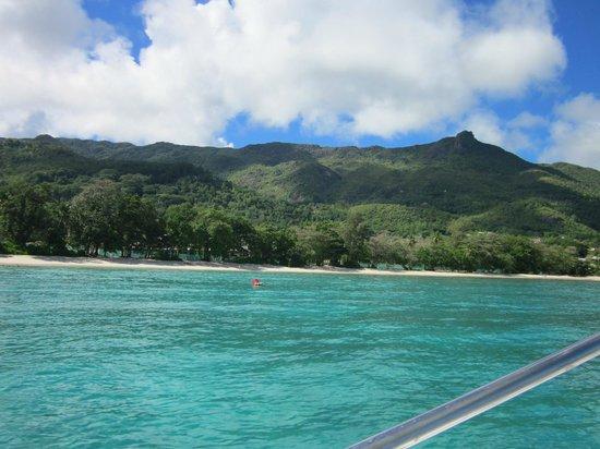 Berjaya Beau Vallon Bay Resort & Casino - Seychelles: plage vue de la mer