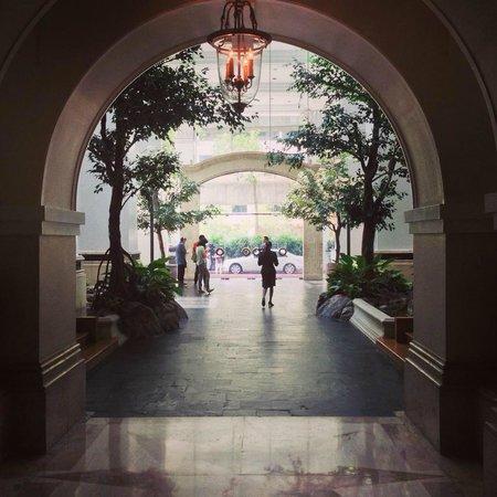 Grand Hyatt Erawan Bangkok: lobby