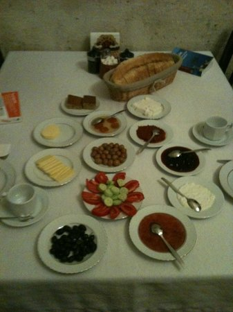 Old Greek House Restaurant and Hotel: Breakfast