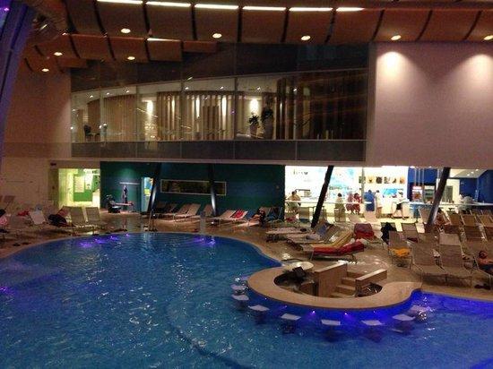 Bar in piscina foto di aquardens le terme di verona - Piscina g conti verona ...