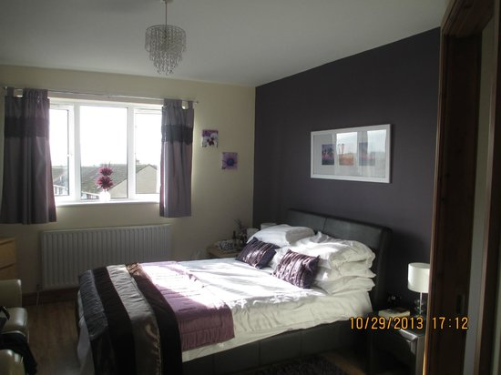 Maple Tree Guesthouse: Spacious Rooms