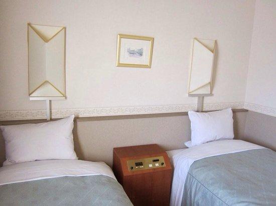 Hotel Ace Morioka: 普通のビジネスホテルのベッドです
