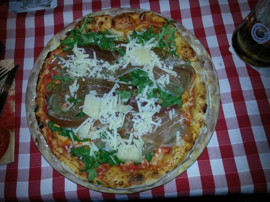 Bel Paese: Pizza Speciale mit Parmaschinken
