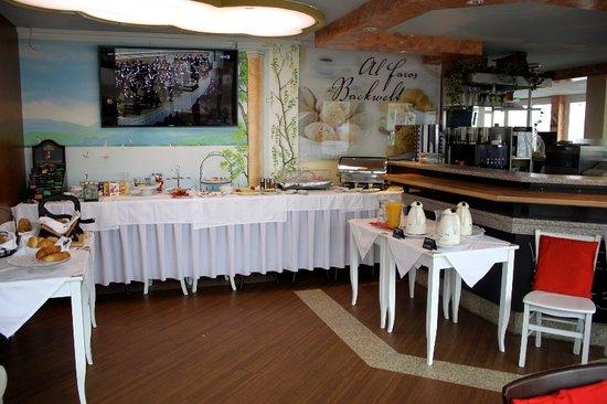 Al Faro Lodge: Frühstücksbuffet