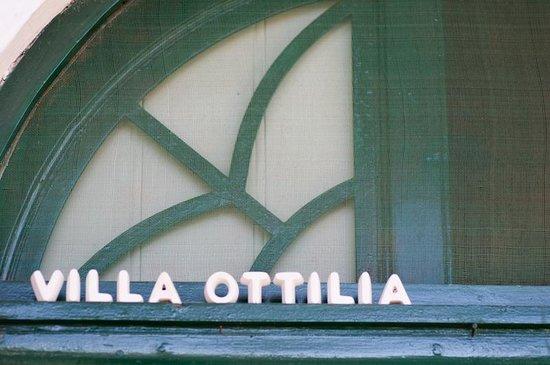 Välkommen till Villa Ottilia - entré