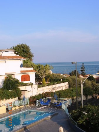 Hotel Lachea: Piscina