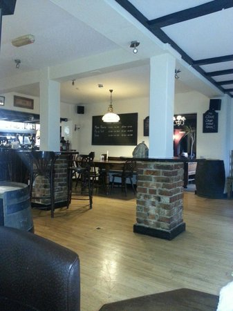 The Dove Inn: Bar