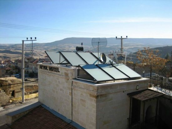 Akyol Hotel: The hotel gets warm water directly from the sun.