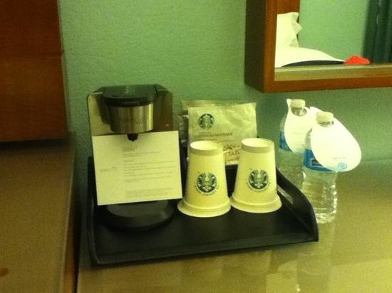 The Westin Beach Resort, Fort Lauderdale: Make your own Starbucks coffee in room