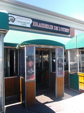 Brasserie de l'Ouest : Porte d'entrée principale - 6 août 2013.