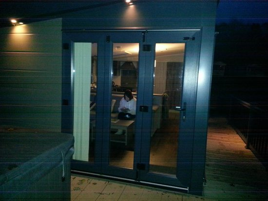 Hengar Manor Country Park: Tri fold doors