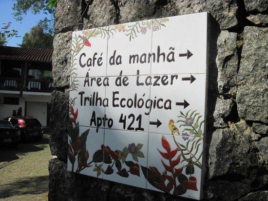 Hotel Coquille - Ubatuba: Boa sinalização.