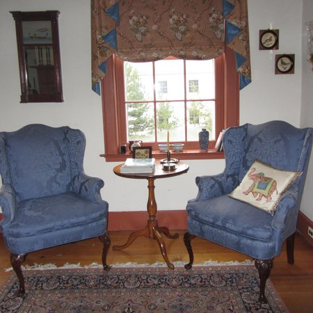 Jacob Brewster House B&B : Our Sitting Area