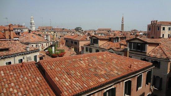 Hotel Gabrielli: Вид из окна