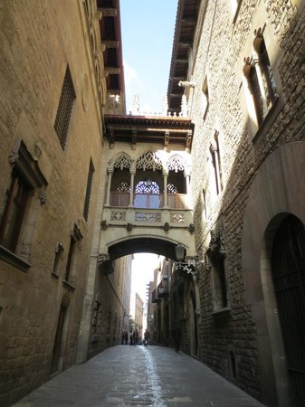 Free and Fun Barcelona Tours: Gothic Quarter