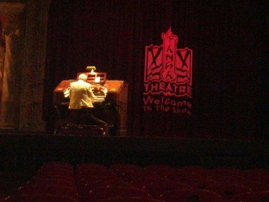 Tampa Theatre: Real premovie music