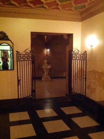 Tampa Theatre: Woman's parlor room entry.