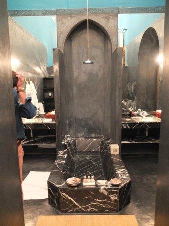 El Fenn : our bathroom