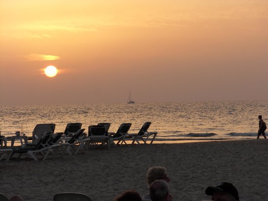 The Rothschild Hotel - Tel Aviv's Finest: Sunset at the beach which is a 20 minute walk from the hotel.